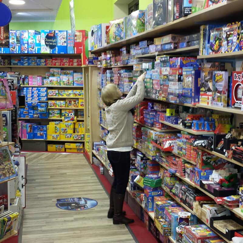 Tibarg Center Shopbild Hartfelder Marken- und Qualitaetsspielzeug Ladenflaeche