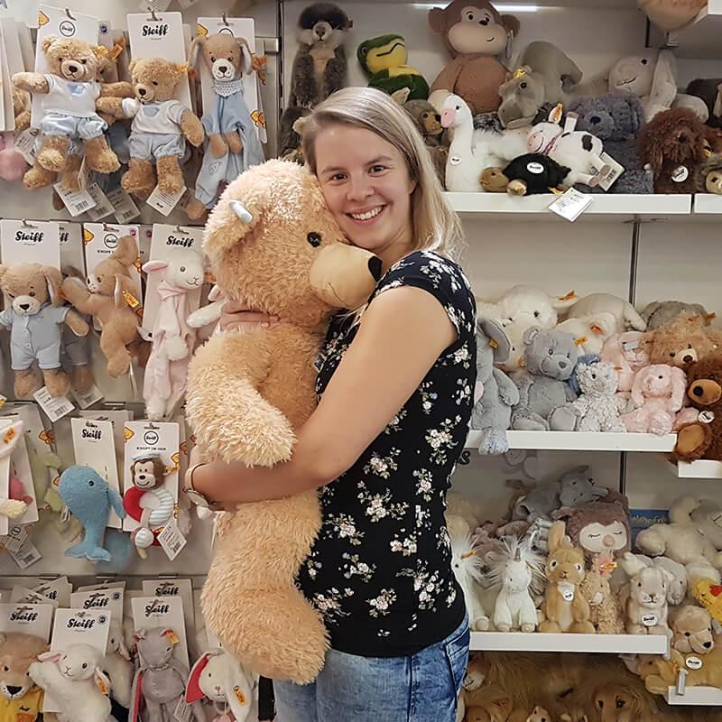 Tibarg Center Shopbild Hartfelder Marken- und Qualitaetsspielzeug Kuscheltiere