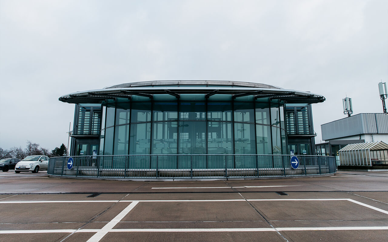 Ansicht APCOA Parkhaus Oberdeck Tibarg Center