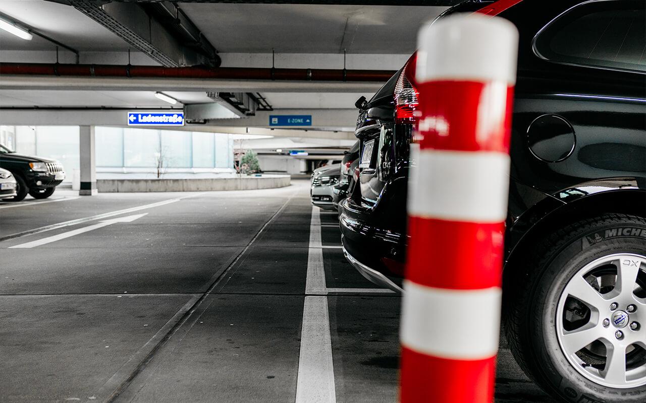 Ansicht APCOA Parkhaus Parkplätze Tibarg Center