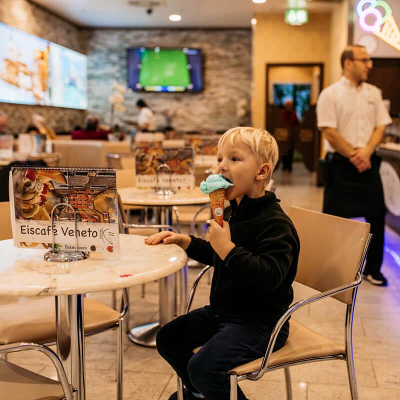 Eiscreme Monat bei Eiscafe Veneto - Shop des Monats