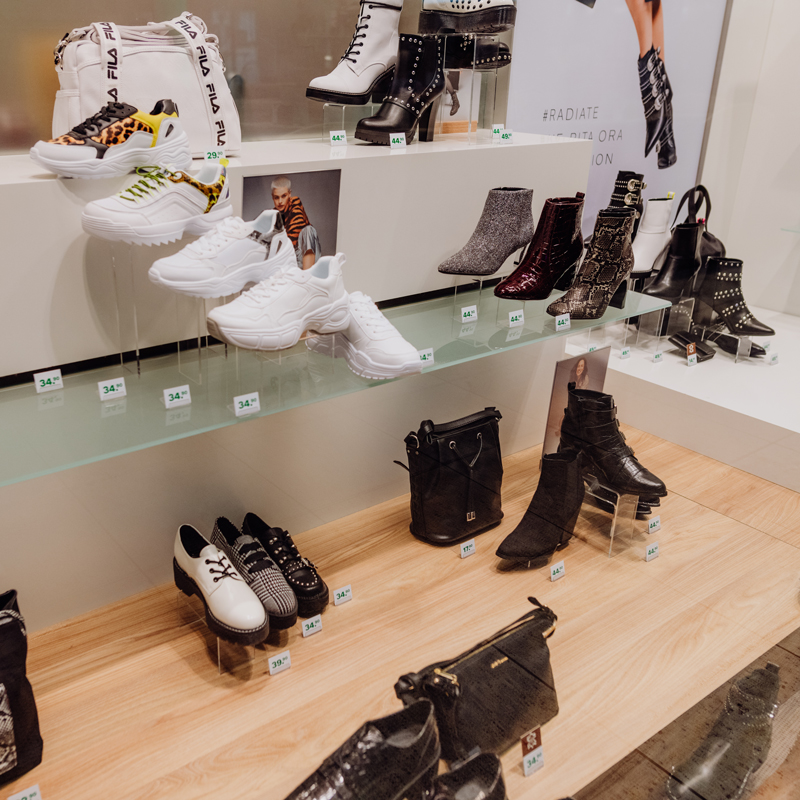 Shop des Monats Oktober 2020 - Deichmann - Verschiedene Damenschuhe